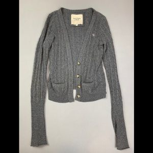 Abercrombie and Fitch cropped button down cardigan